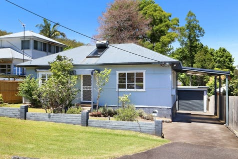 6 Edgewater Avenue, Green Point, 2251, Central Coast - House / UNDER OFFER / Garage: 2 / Secure Parking / Air Conditioning / Floorboards / P.O.A