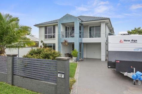 17 Edith Street, Gorokan, 2263, Central Coast - House / Colossal Family Home on 967m2 (approx.) Block! / Balcony / Garage: 2 / Study / Ensuite: 1 / $730,000