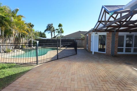 24 Plane Tree Circuit, Woongarrah, 2259, Central Coast - House / GREAT FAMILY ENTERTAINER / Garage: 2 / $700,000