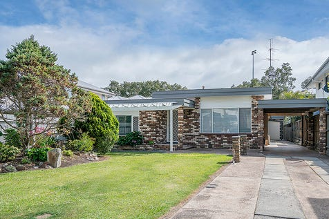 16 Archbold Road, Long Jetty, 2261, Central Coast - House / More Than Meets The Eye - Excellent Investment, Great Opportunity / Courtyard / Fully Fenced / Outdoor Entertaining Area / Carport: 1 / $768,000