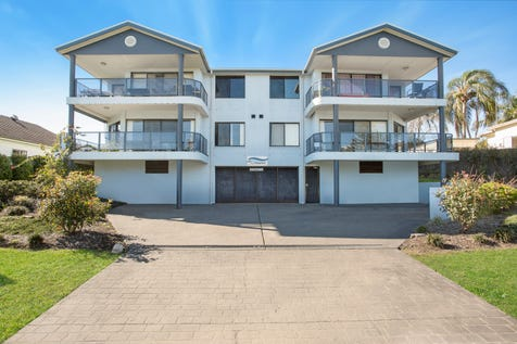 1/18-20 Norfolk Street, The Entrance, 2261, Central Coast - Unit / Under Contract / Garage: 1 / Toilets: 2 / P.O.A