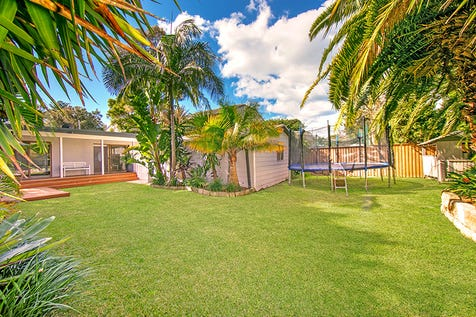 37b Bassett Street, Mona Vale, 2103, Northern Beaches - House / Picture Perfect Beach House in Private Setting / Garage: 1 / Secure Parking / Air Conditioning / Floorboards / $1,400,000