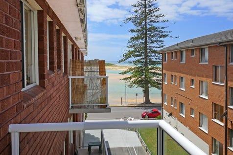 14/12 Marine Parade, The Entrance, 2261, Central Coast - Apartment / TOP FLOOR - TOP VIEW / Balcony / Carport: 1 / Built-in Wardrobes / Intercom / $440,000
