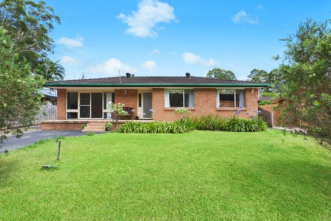 184 Wells Street, Springfield, 2250, Central Coast - House / Outstanding market entry point / Garage: 1 / Air Conditioning / Built-in Wardrobes / Dishwasher / Gas Heating / $490,000