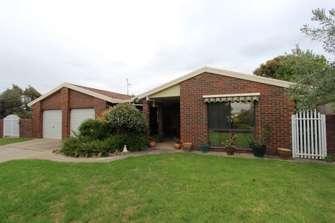 44 Lorimer Street, Llanarth, 2795, Central Tablelands - House / WARM AND WELCOMING / Garage: 2 / Secure Parking / Air Conditioning / Toilets: 2 / $469,000