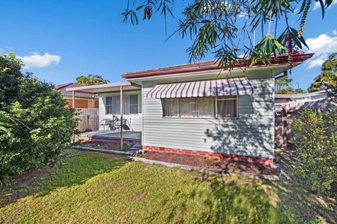 68 Karingi Street, Ettalong Beach, 2257, Central Coast - House / TICK, TICK, TICK / Garage: 1 / $699,000