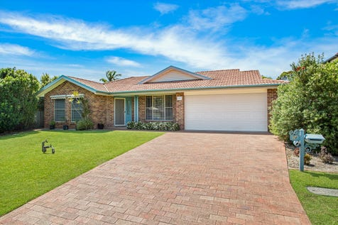 34 Sanctuary Place, Bateau Bay, 2261, Central Coast - House / Easy To Enjoy / Garage: 2 / Air Conditioning / Toilets: 2 / $829,000