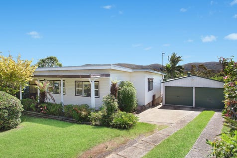 18 John Street, Forresters Beach, 2260, Central Coast - House / Light filled spacious layout featuring separate living areas / Carport: 2 / P.O.A