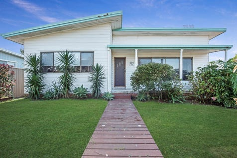 92 Elsiemer Street, Long Jetty, 2261, Central Coast - House / Prime Beachside Position – Potential Filled 670m2 North Facing Lot – Amazing Possibilities / Garage: 2 / Built-in Wardrobes / P.O.A