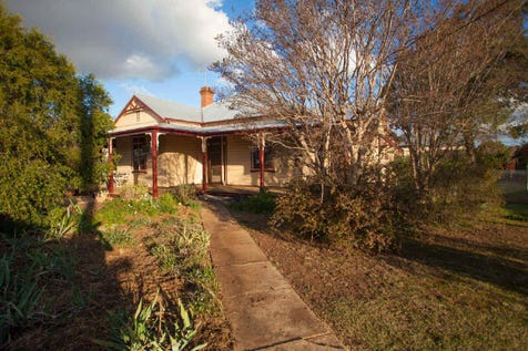 99 Warne Street, Wellington, 2820, Central Tablelands - House / COUNTRY STYLE HOMESTEAD / Garage: 1 / $310,000