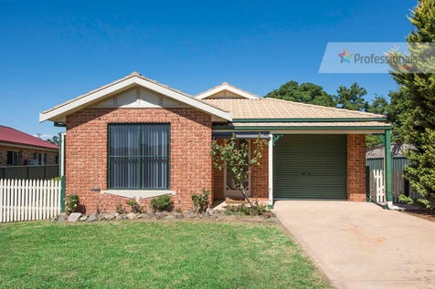17 Barigan Street, Mudgee, 2850, Central Tablelands - House / Central cul de sac setting / Garage: 1 / Secure Parking / Air Conditioning / Toilets: 1 / $335,000
