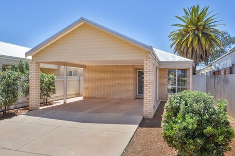 91B Wilson Street, South Kalgoorlie, 6430, East - House / LOW MAINTENANCE 4x2! / Carport: 2 / $380,000