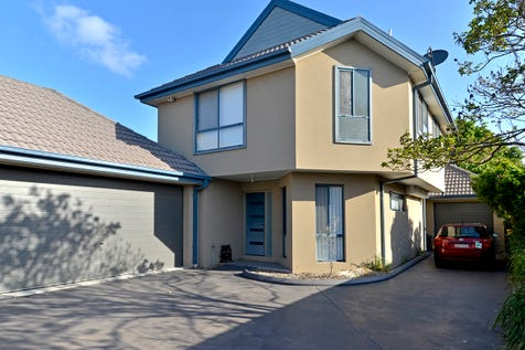 4/188 West Street, Umina Beach, 2257, Central Coast - House / 3 BEDROOM TOWNHOUSE STROLL TO THE BEACH! / Balcony / Garage: 2 / Secure Parking / Alarm System / $630,000