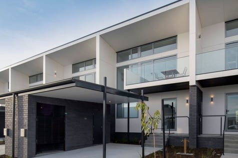 1 Bournville Crescent, Claremont, 7011, Central Hobart - Townhouse / Only 2 remaining townhouses fronting the golf course / Deck / Carport: 1 / Built-in Wardrobes / Dishwasher / Reverse-cycle Air Conditioning / $439,000