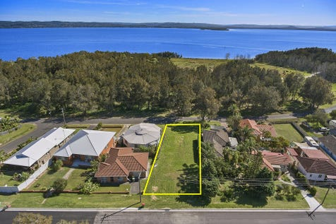 41 Lakeside Parade, The Entrance, 2261, Central Coast - Residential Land / Dual Street Frontage across from the lake. / $580,000