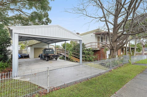 43 Queens Road, Lake Munmorah, 2259, Central Coast - House / 2 Homes In 1 / Balcony / Courtyard / Deck / Fully Fenced / Shed / Carport: 4 / Garage: 2 / Remote Garage / Secure Parking / Broadband Internet Available / Built-in Wardrobes / Dishwasher / Rumpus Room / Study / Ensuite: 1 / Toilets: 3 / $510,000