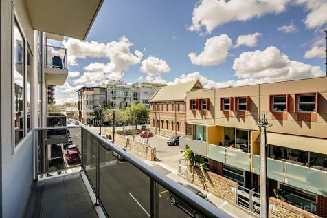 5/11 Daly Street, Adelaide, 5000, City - Unit / ***PRICE REDUCED FOR IMMEDIATE SALE -  VENDOR SAYS SELL!*** Stunning light and bright apartment in a great location. / Open Spaces: 1 / $430