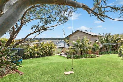 89 Lowanna Avenue, Forresters Beach, 2260, Central Coast - House / Vast entertaining deck overlooks child-friendly yard / Garage: 1 / $850,000