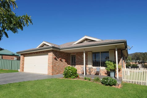 14 Barigan Street, Mudgee, 2850, Central Tablelands - House / VERY IMPRESSIVE LIVING / Swimming Pool - Inground / Garage: 2 / Secure Parking / Air Conditioning / Toilets: 2 / $429,950