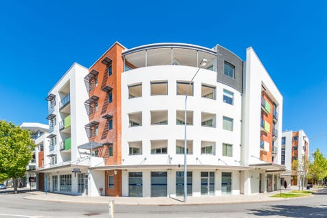 22/38 Fielder Street, East Perth, 6004, Perth City - Apartment / SPACIOUS 2-BEDROOM APARTMENT - TOP FLOOR LOCATION     ** PRICE SIGNIFICANTLY REDUCED ** / Balcony / Garage: 1 / Secure Parking / Air Conditioning / Toilets: 2 / $455,000