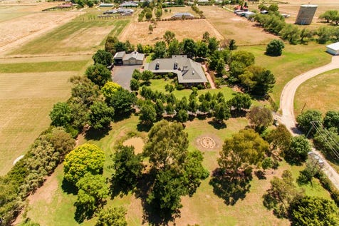70 Boundary Road, Cowra, 2794, Central Tablelands - House / A Hidden Country Treasure / Fully Fenced / Outdoor Entertaining Area / Shed / Garage: 6 / Air Conditioning / Dishwasher / Evaporative Cooling / Split-system Heating / $665,000