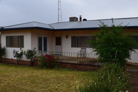 8 Hinkler Street, Tullamore, 2874, Central Tablelands - House / COMFORTABLE COUNRTY HOME / Carport: 1 / Garage: 1 / $135,000