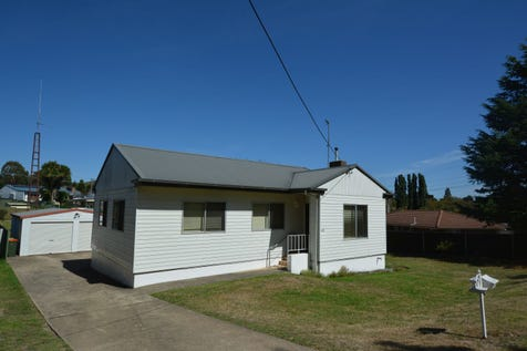 42 Stewart Street, Lithgow, 2790, Central Tablelands - House / PERFECT START / Garage: 2 / $265,000