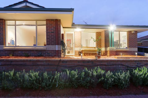 3/9 Kinsella Street, Joondanna, 6060, North East Perth - House / Renovated Stunner / Garage: 1 / Open Spaces: 1 / Air Conditioning / Alarm System / Toilets: 1 / $480,000