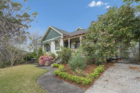18 Georgia Ave, Wyoming, 2250, Central Coast - House / Flawless Federation, Queen Anne Style Home on a 1275m2 Block. / Carport: 2 / Ensuite: 1 / P.O.A