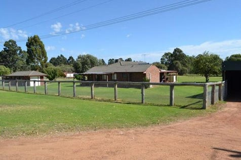 42 Bingham Road, Bullsbrook, 6084, North East Perth - House / GREEN GREEN GRASS - 12 ACRES OF FERTILE PASTURE / Garage: 5 / Toilets: 1 / P.O.A