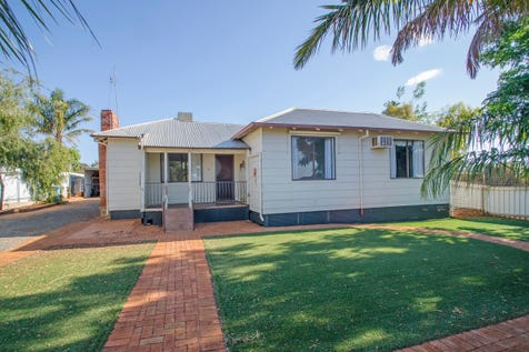 59 Gnarlbine Road, Coolgardie, 6429, East - House / Value for Money in Coolgardie / Carport: 2 / Ensuite: 1 / Living Areas: 2 / Toilets: 2 / $299,000