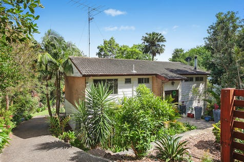 57 HILLSIDE Road, Avoca Beach, 2251, Central Coast - House / Family home in sought after beachside suburb / Garage: 1 / $775,000