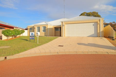25 Oakover Place, Northam, 6401, East - House / Hot, hot, hot!  / Fully Fenced / Garage: 2 / Air Conditioning / Built-in Wardrobes / Ensuite: 1 / Toilets: 2 / $409