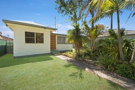 3 Nirvana Street, Long Jetty, 2261, Central Coast - House / Modern Beachside Cottage – Beautiful Level 645m2 Block / Deck / Garage: 2 / Built-in Wardrobes / Floorboards / Toilets: 1 / P.O.A