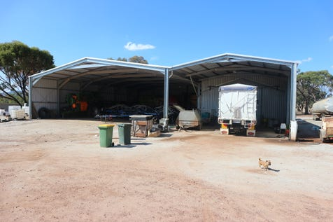144 Knotts Road, York, 6302, East - Lifestyle / OVER 800M2 SHED SPACE ON 7.3 ACRES! / Carport: 10 / $412,000