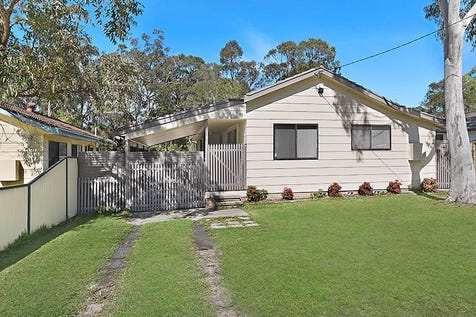 242 Scenic Drive, Budgewoi, 2262, Central Coast - House / Looking For Value!! / Balcony / Carport: 1 / Garage: 1 / Workshop / $445,000