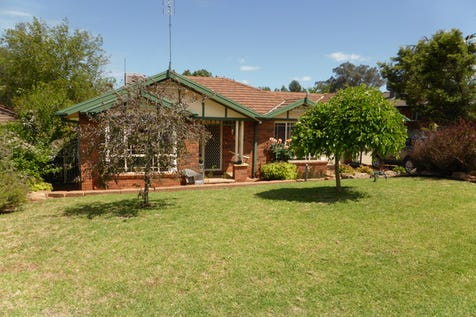 8 Glengowrie Close, Parkes, 2870, Central Tablelands - House / Loaded With Appeal / Garage: 2 / Toilets: 2 / $385,000