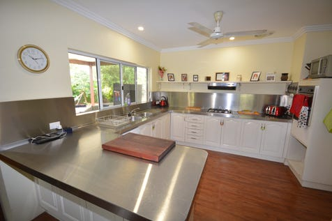 8 HOPE STREET, Port Douglas, 4877, Cairns - House / Private & Peaceful / Balcony / Garage: 2 / Air Conditioning / Toilets: 1 / $475,000