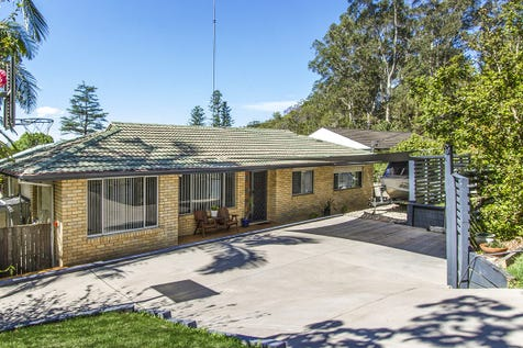 23 Berrys Head Road, Narara, 2250, Central Coast - House / Entertainers delight with in-ground spa! / $600,000