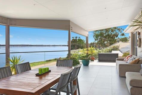 21 Peel Street, Toukley, 2263, Central Coast - House / Captivating lake views / Garage: 2 / $860,000