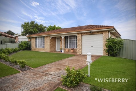 13 Glading  Close, Lake Haven, 2263, Central Coast - House / JUST IMMACULATE / Garage: 1 / $460,000