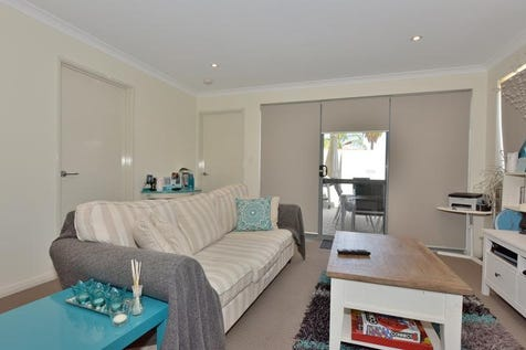 1/5 Cole Street, Midland, 6056, North East Perth - Apartment / MUST BE SOLD!- OWNERS WANT OUT / Carport: 1 / Ensuite: 1 / $349,000