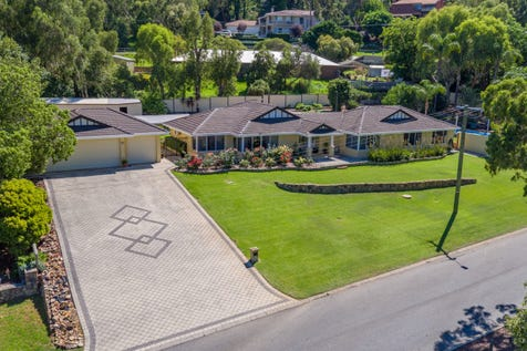 17 The Boulevard, Gooseberry Hill, 6076, North East Perth - House / HONEY... STOP THE CAR! / Garage: 3 / $829,000