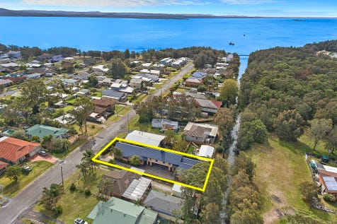 1 & 2/ 28 McLean Street, Killarney Vale, 2261, Central Coast - Duplex/semi-detached / Two x Three Bedroom Strata Titled Villa's!!! / Garage: 2 / Air Conditioning / Reverse-cycle Air Conditioning / $535,000