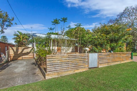 52 Collareen Street, Ettalong Beach, 2257, Central Coast - House / HOUSE AND FLAT, 519SQM OF LAND REAR LANE & R1 ZONING / Open Spaces: 1 / P.O.A