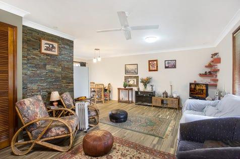 2/59 Robson Avenue, Gorokan, 2263, Central Coast - Townhouse / Spacious Renovated Villa with Huge Potential. / Balcony / Garage: 1 / $360,000