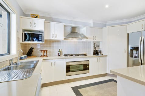 1/44-46 MacDougall Crescent, Hamlyn Terrace, 2259, Central Coast - Unit / Executive Style Townhouse / Courtyard / Outdoor Entertaining Area / Garage: 2 / Air Conditioning / Ducted Cooling / Ducted Heating / $499,000