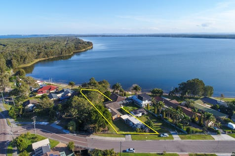 8 Greenacre Avenue, Lake Munmorah, 2259, Central Coast - House / ABSOLUTE WATERFRONT / Carport: 1 / Open Spaces: 2 / Air Conditioning / $700,000