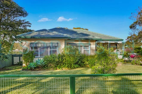 42 Vales Road, Mannering Park, 2259, Central Coast - House / CHARM AND SPACE / Carport: 1 / Garage: 3 / Secure Parking / Air Conditioning / Toilets: 2 / $510,000