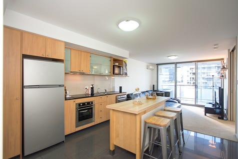32/259-269 Hay Street, East Perth, 6004, Perth City - Apartment / SELLER SAYS SELL!! / Balcony / Swimming Pool - Inground / Garage: 1 / Secure Parking / Air Conditioning / Toilets: 1 / $325,000